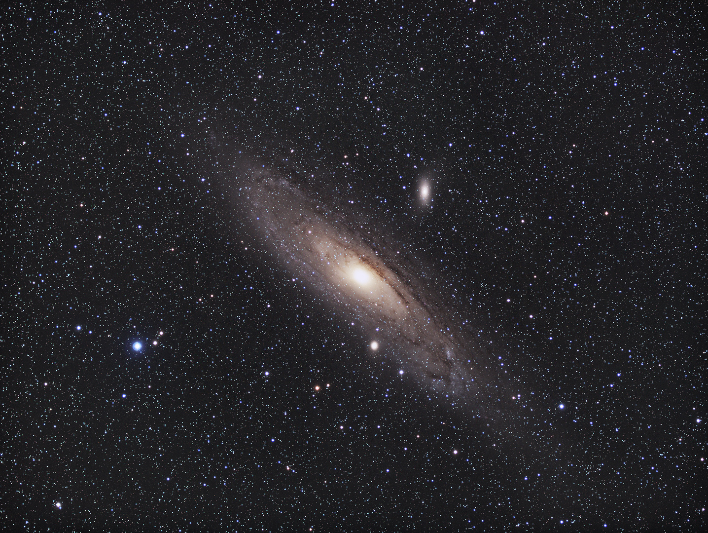 M31,M32,M110 / 3.9.2019 / Vixen FL55SS, 240mm / ASI1600MMC, 180min / F. Steimer